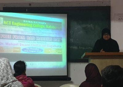 Dr. Kauser Anjum delivering speech